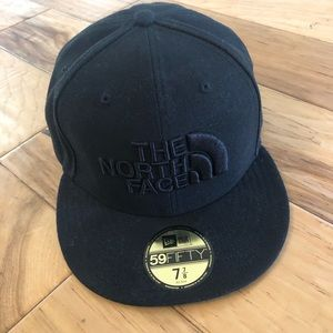 Men's the North Face x New Era Fitted Hat.